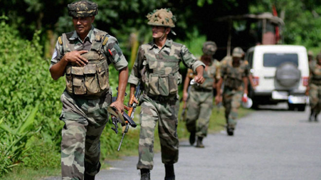Thousands of Kashmiri youth line up for recruitment to Indian Army in Baramulla
