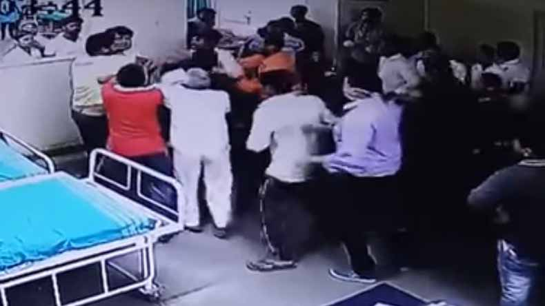 Doctor thrashed by patient's relatives over delay in treatment