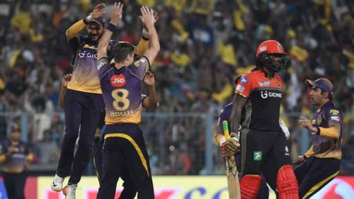 IPL-2017-Chris-Woakes-doffs-hat-to-opening-spell-as-KKR-return-to-their-bowling-bes