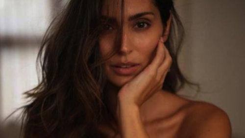 Bruna Abdullah's topless photo will set the temperature soaring