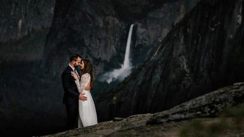 California couple marry at Mt Everest; photographer puts on display the wedding pictures