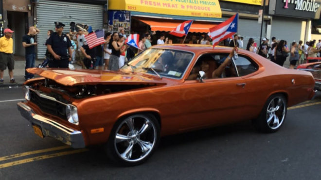Puerto Rico sets new world record for antique car parade