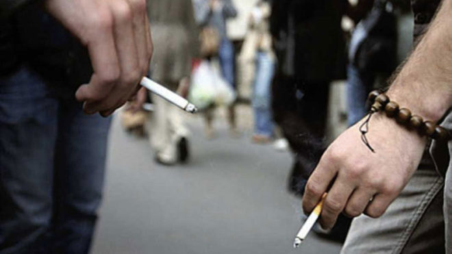 Tobacco-use-in-public,-Uttar-Pradesh