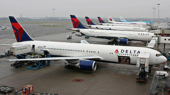 US' Delta Airlines apologises for booting family off flight
