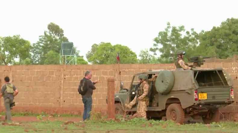 Mali resort attacked, at least six dead