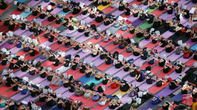 Largest ever yoga event held in Netherlands