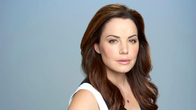 Supergirl adds Smallville's Erica Durance in major recast