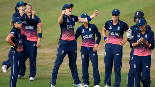 Women's World Cup final: England triumphs in the battle of wits against India