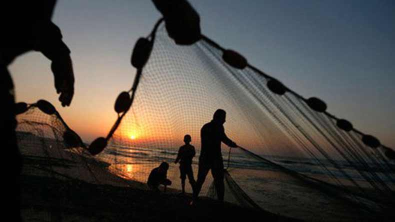Eight Tamil Nadu fishermen arreted by Sri Lankan Navy have been sent to Jaffna jail