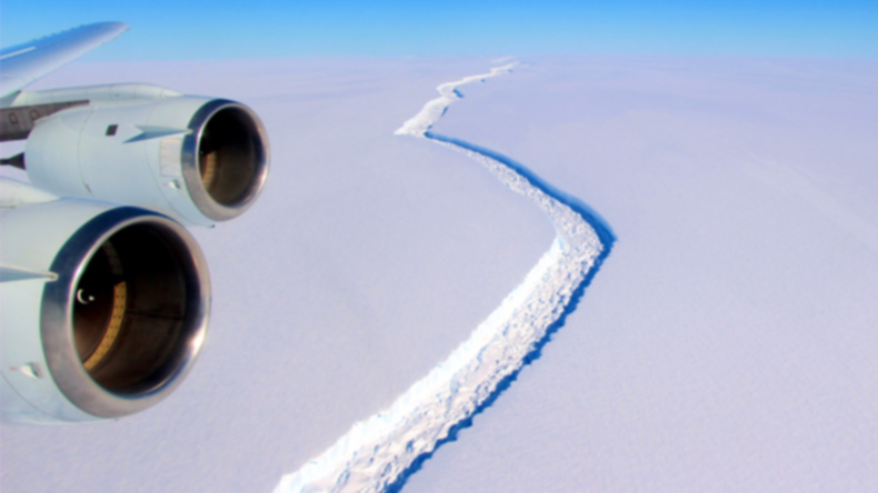 Trillion tonne iceberg breaks off Antarctica shelf