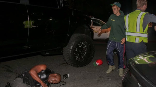Justin Bieber hits photographer with his truck