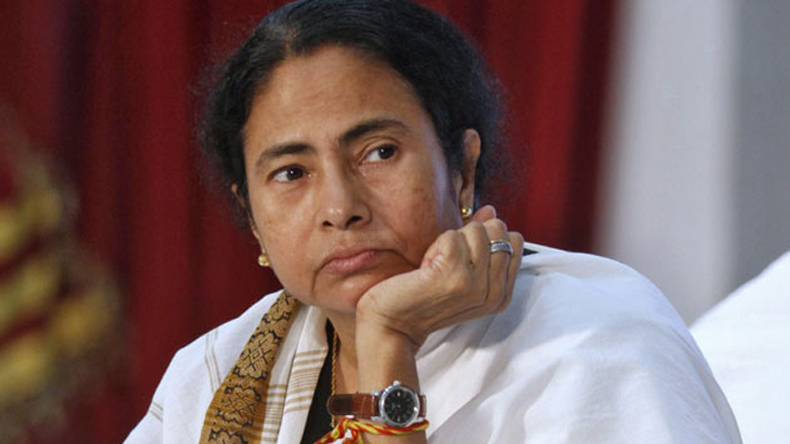Mamata alleges humiliation by Governor, Tripathi says no such incident