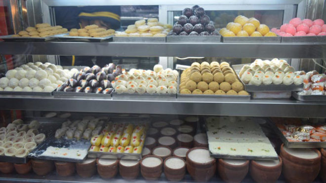 Bengal: sweetmeat makers go on hunger-strike against GST