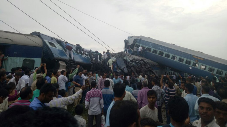 Railways, UP government doing everything possible: PM on Utkal Express derailment