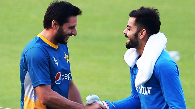 Virat Kohli donates his bat to Shahid Afridi's charity foundation