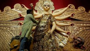 Gold saree-clad Durga idol in London-themed pandal takes internet by storm