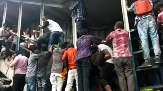 Mumbai: At least 22 dead, 36 seriously injured in stampede at Elphinstone railway station's foot over bridge