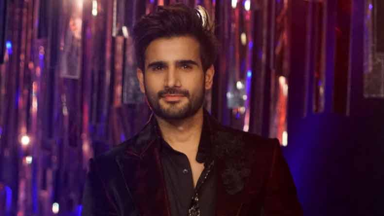 Karan Tacker to host YRF's Bollywood Awards
