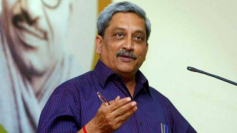 Email me if teachers don't entertain questions: Manohar Parrikar