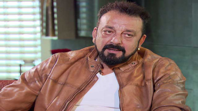 Sanjay Dutt performs 'shraadh' for parents in Varanasi