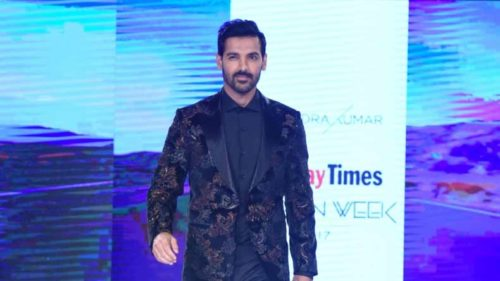 Here's-how-to-celebrate-a-quintessential-Diwali-the-John-Abraham-way