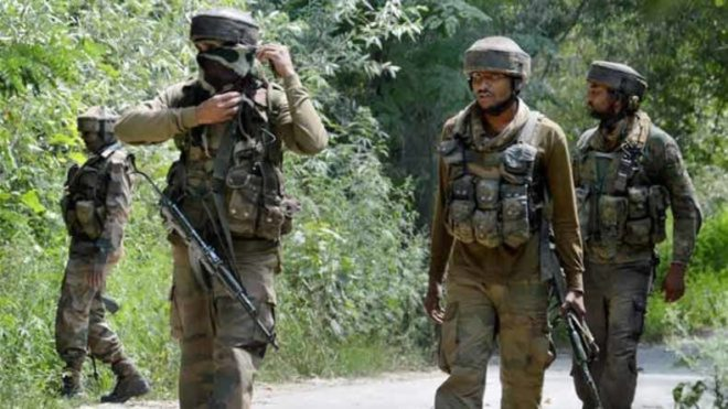 Militants target 3 locals' houses in Kashmir