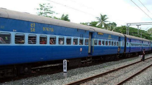 1500 farmers en route to Maharashtra stranded in Madhya Pradesh after train takes 160 km detour