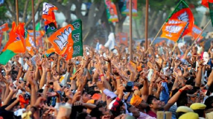 Gujarat Assembly Election Results 2017 LIVE Updates: Lotus all set to bloom in Gujarat, Congress' fortune on a rise as well
