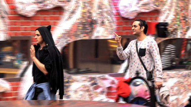 Bigg Boss 11 Day 73: Hina Khan, Priyank Sharma stoop down to a new low