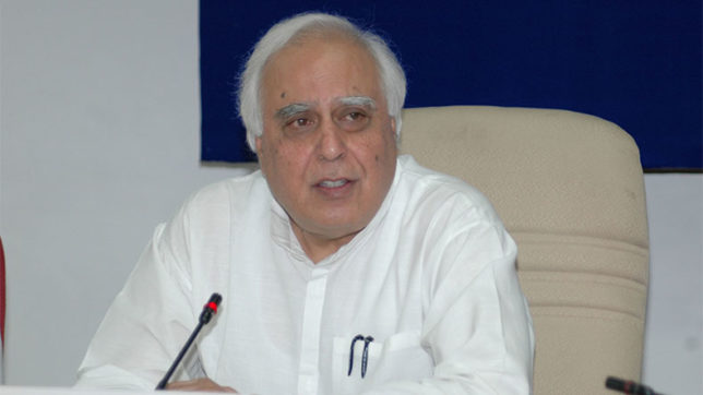 Kapil Sibal acclaims Supreme Court verdict on triple talaq