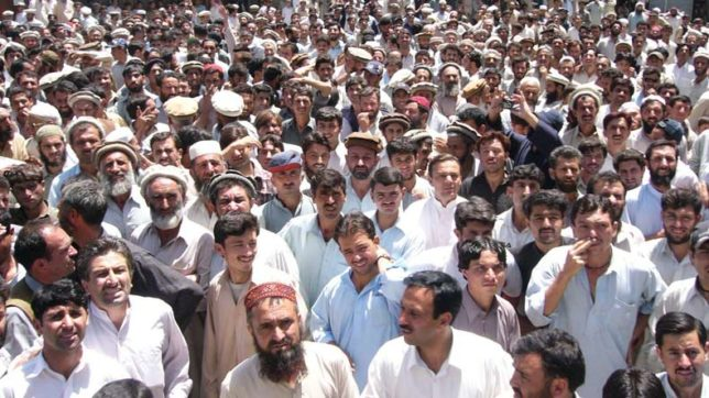 Protest-in-Kashmir-by-Pakistan-locals