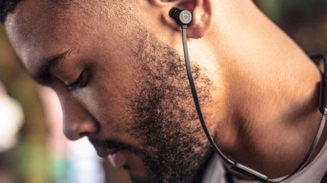 US tech giant Apple to launch BeatsX wireless earbuds this week