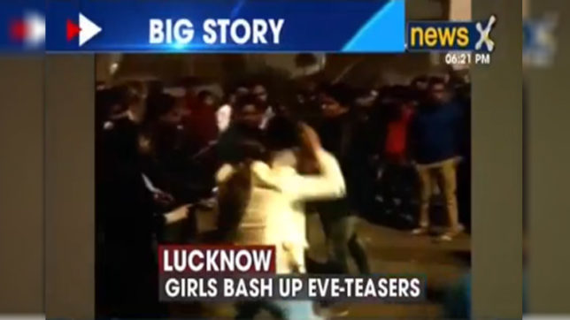 Girl-beat-up-eve-teasers-in-lucknow
