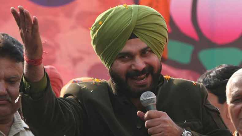 Navjot Singh Sidhu takes Mayawati's route, urges Muslims to vote for Congress against PM Narendra Modi