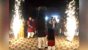 pak-grooms-dramatic-entry-t