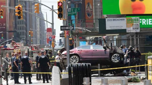World Crime — Car rams into pedestrians at NY's Times Square; over 3,000 escape Makala Jail in DR Congo & more