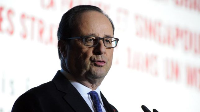 France's-Hollande-accepts-outgoing-cabinet's-resignation