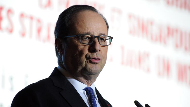 France: Francois Hollande Accepts Outgoing Cabinet's