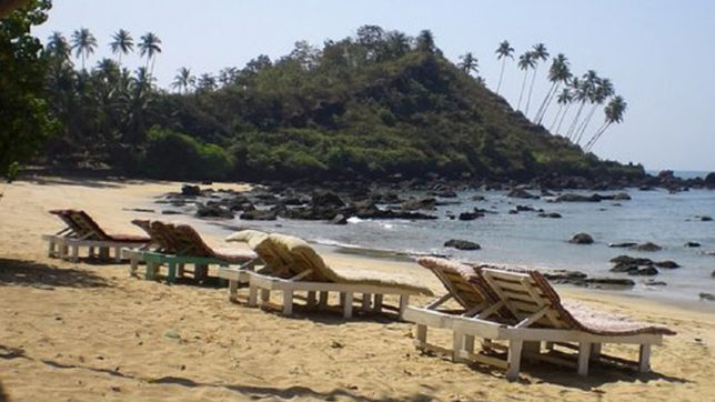 Six arrested for drinking in open at Goa beach