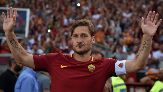 King of Rome bids farewell: Here are Francesco Totti's 'high 5' he gave to AS Roma fans in 25 years
