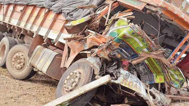 14 dead, several injured after mini truck overturns in Etah district, UP