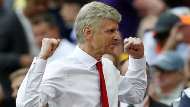 Arsene Wenger signs new two year contract with Arsenal