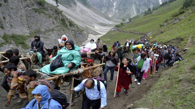 Another batch of 2,200 pilgrims leave for Amarnath Yatra