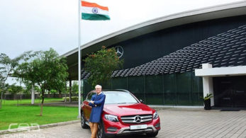 This special edition has added a new 'Designo Hyacinth Red' colour to the Mercedes-Benz GLC's existing colour shades.
