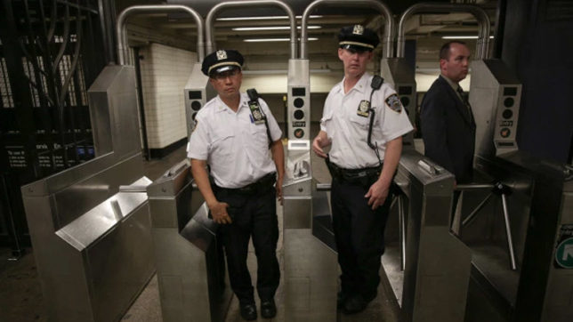 Woman attacked in New York, thrown on metro rail track