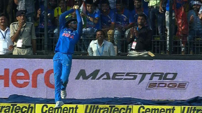 Watch: Manish Pandey's stunning grab on the boundary line to send Handscomb back