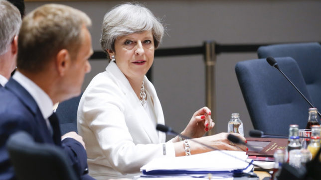 UK's May maintains cabinet balance on Brexit