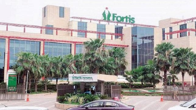 Fortis officials offering money to stop me from going to court, alleges father of 7-year-old girl who died in hospital