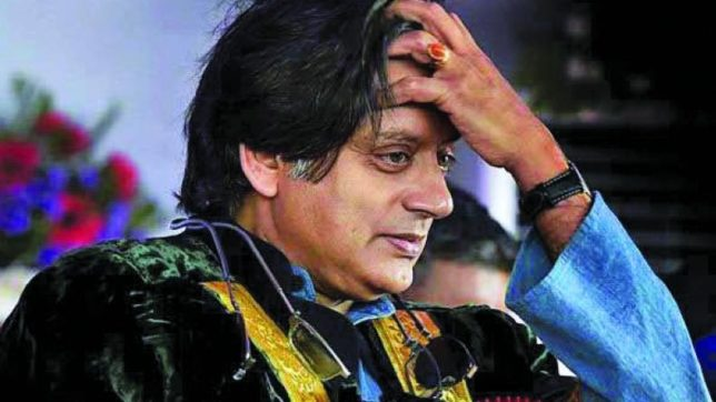 Here's why Twitterati is disappointed with Shashi Tharoor's Merry Christmas tweet