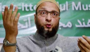 Mumbai: Shoe hurled at AIMIM chief Asaduddin Owaisi while addressing a rally at Nagpada